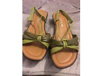 Ladies extra wide sandals 7EEE