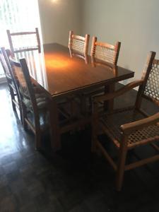 Magnifique mobilier de salle à manger en chêne