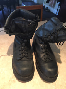 Army boots great for winter or a cadet