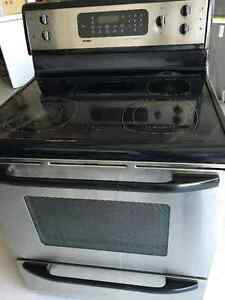 convection get a great deal on a stove or oven range in winnipeg kijiji classifieds. Black Bedroom Furniture Sets. Home Design Ideas