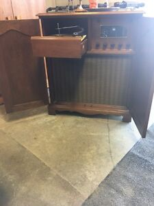 Meuble stereo -Vintage- Entertainment (stereo) Cabinet