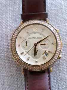 Michael Kors Leather Watch West Island Greater Montréal image 5