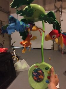 Fisherprice Rainforest Jumperoo, Mobile & bouncy chair West Island Greater Montréal image 3