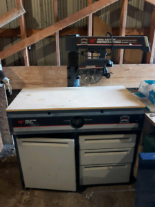 Radial arm cabinet saw