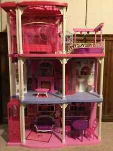 Barbie  Town House