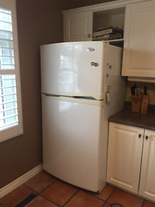 WHIRLPOOL, 21.6 cu ft, very good condition
