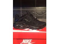 Nike Tn (triple black) size 9. can post or delivery locally!!
