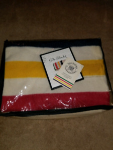"Hudson Bay Iconic 6-point ""Queen size"" blanket"