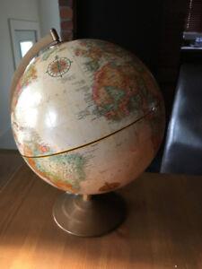 meuble antique /industriel déco radio horloge globe etc,
