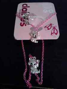 Stocking stuffers! Young girls assorted jewelry,wallet n shoes