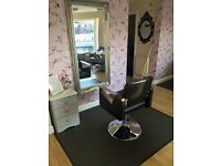 Hairdressing chair to rent!