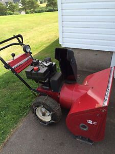 "Mastercraft 10 HP 33"" cut snowblower"