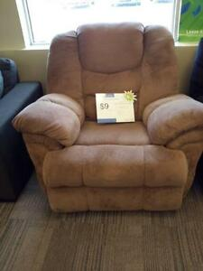*** USED *** ASHLEY GALAXY MOCHA RECLINER   S/N:51157081   #STORE228