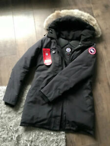 SELLING CANADA GOOSE VICTORIA PARKA Size M - Excellent Condition