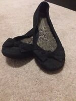 Black shoes size 8