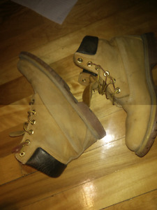 USED TIMBERLANDS SIZE 6 MEN TAILLE 6 HOMME