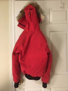Women's Red Canada Goose Chilliwack Bomber (SMALL)