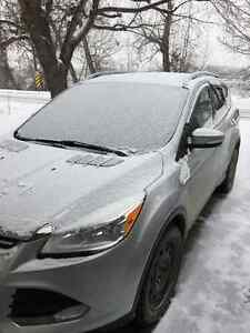 2014 Ford Escape Titanium SUV - Low KMs - Excellent condition