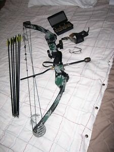 PSE Lightning Flite Left Hand Compound Bow Package in Camo