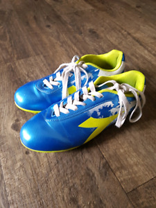 Soccer cleats size 4 and 7