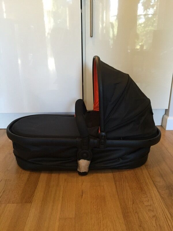 icandy Peach 3 Carrycot Brand New ex display black with orange hood lining Never used