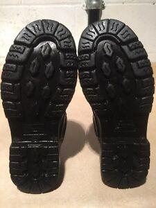 Men's Penmans Shoes Size 8 London Ontario image 7