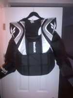 REEBOK SR GOALIE CHEST PROTECTOR IN EXCELLENT CONDITION