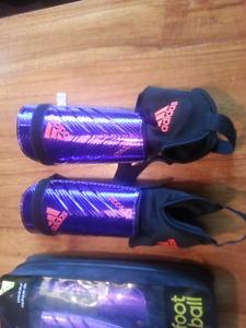 NEW soccer shin guards adidas  M and L
