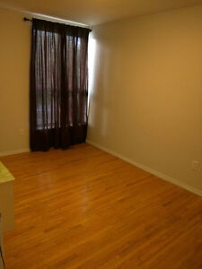1 Room for Rent - Students (Humber College)