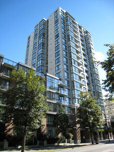 Newly Renovated 1 Bed + 1 Den Unfurnished Apt in Downtown