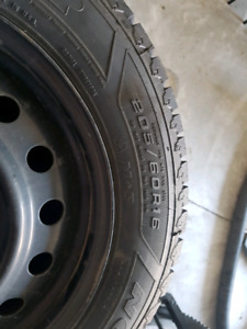 Winter tires and rims 205/60R16 Like new
