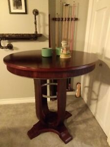 Gorgeous wood table (bar Height)