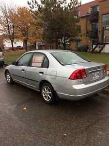 2001 Honda Civic DX Berline à vendre 1200 $ Nego