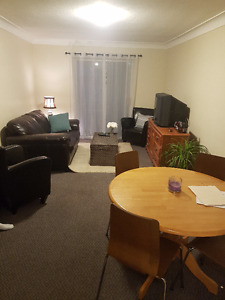 3bdrm apartment, 8 mins to Stauff, Utilities included