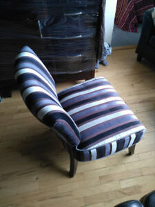 Stylish, comfortable living room chair - Kits Point
