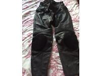 Ladies Weise Leather Motorbike Trousers 14