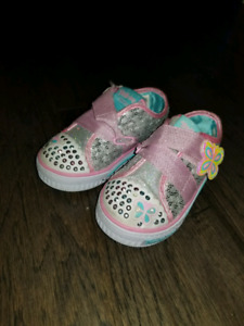Girls Sketchers Twinkle-toes shoes size 6
