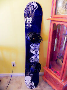 154cm-Firefly waxed snowboard with bindings