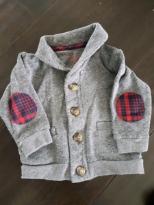 Adorable boys sweater size 6-12 months
