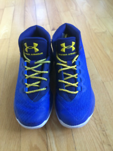 Chaussures de basketball - Curry - Underarmour - Taille 5,5