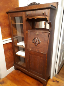 Lovely Antique Hutch / Display Cabinet
