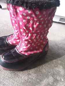 Girls (toddler) boots size 7  London Ontario image 2