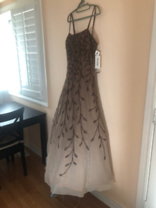 Beautiful prom/evening dresses and many more for sale