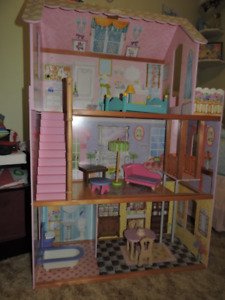 Barbie Doll House - Enfield