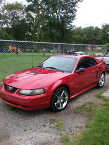 2001 mustang PRICED TO SELL TODAY!