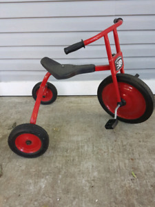 Locomotion tricycle
