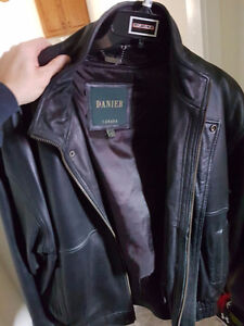 LEATHER JACKET  -  size 44-46