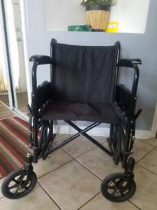 Foldable wheelchair in very good condition