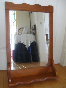 BEAUTIFUL OLD VINTAGE MAPLE-FRAMED VANITY MIRROR