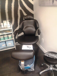 Chaise de pédicure BELAVA / BELAVA  Pedicurist's chair